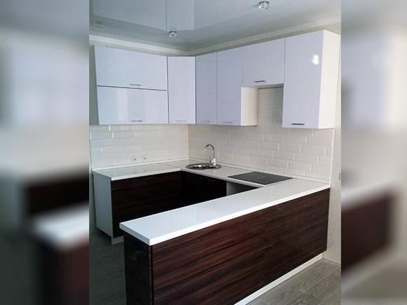 Кухонный гарнитур П-образный